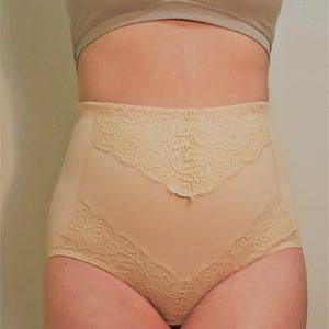 Csipkével díszített alakformáló női alsó
