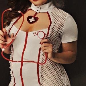 Szexi nővérke nagy méretű fehérnemű jelmez