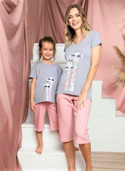 Zsiráfos női pamut pizsama pettyes nadrággal